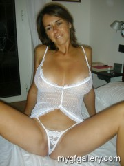 Pretty amateur milf like fuck3
