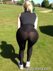 Hot blonde in leggings