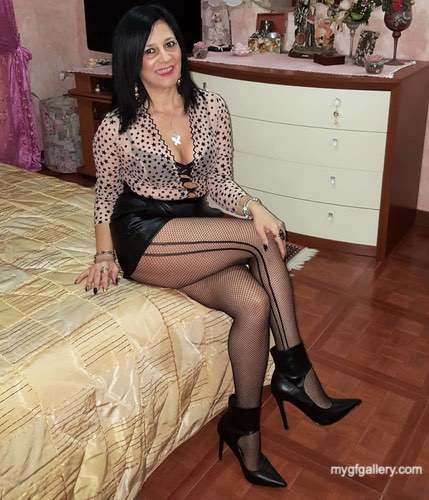 My hot aunt Gina in nylon8