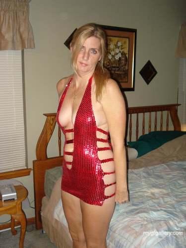 Leggy blonde texas wife2