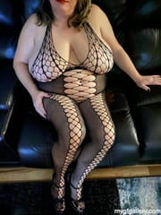 Sexy bbw wife in black