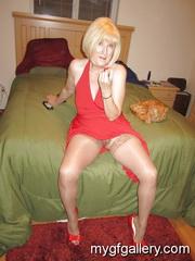 Blonde mature exhibitionist