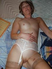 Sweet lady loves to pose in stockings